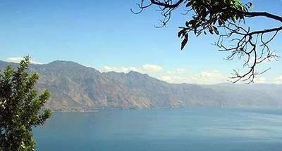 Del otro lado del Lago de Atitlán