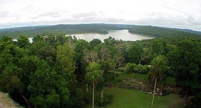 Yaxhá, magia y belleza maya